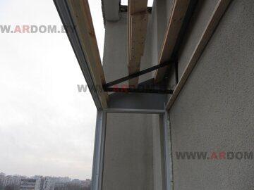 основание крыши на балконе