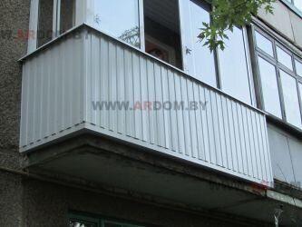 уличная отделка балкона металлическим профнастилом